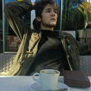 Hippolyte, 19 ans donne des cours de Portugais