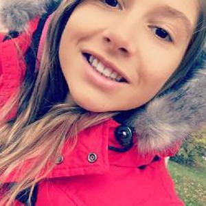 Emilie, 21 ans de Souillac, Garde d'enfant à domicile