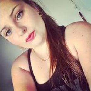 Amandine, 20 ans coiffeuse à domicile