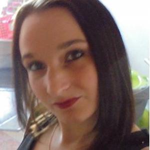 Carène , 28 ans aide au ménage