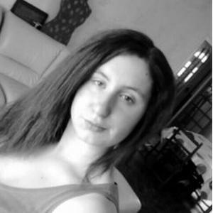 Koralyne, 18 ans cherche des heures de ménage