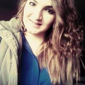 Sara, 20 ans, propose services d'assistante maternelle