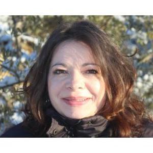 Chloé, 38 ans, auxiliaire de vie et animatrice en gérontologie
