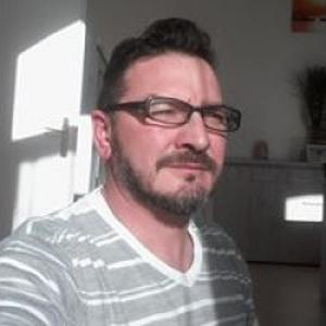 Pascal, 51 ans;je souhaiterais effectuer la livraison de repas ;transport de personnes agées