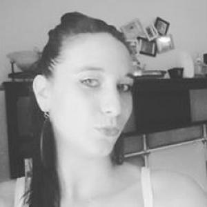 Wendy, 22 ans, propose services d'auxiliaire de vie