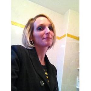 OLIVIA, 32 ans, propose ménage