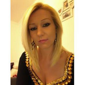 Sandrine , 31 ans aide aux tâches ménagères