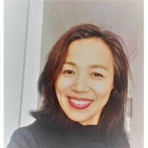 Mits, 48 ans donne des cours de japonais