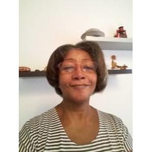 Anne Micheline, 59 ans donne des cours d'angalis