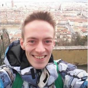Amadeus, 27 ans donne des cours d'anglais