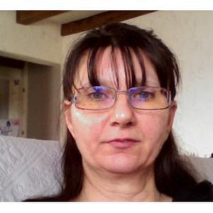 Muriel , 47 ans aide aux courses