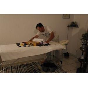 Miguel, 34 ans propose des massages