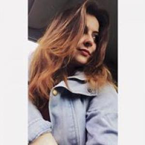 Emma, 18 ans aide aux personnes âgées