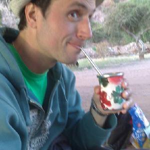 Raphael, 28 ans donne cours d'anglais et d'espagnol en Gironde