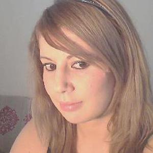 Zazoua, 30 ans cherche un poste de femme de ménage