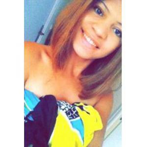 Patricia , 19 ans, coiffeuse à domicile