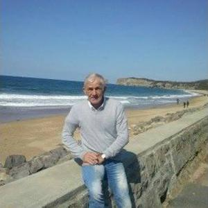 Dany, 73 ans, propose des services plomberie