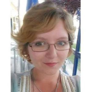 Annie, britannique, 22 ans, donne cours d'anglais près de Niort.