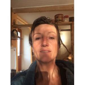 Agnès, 51 ans, aide aux personnes âgées