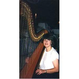 Françoise, 52 ans, vous propose des cours de harpe (celtique ou grande) et/ou de formation musicale