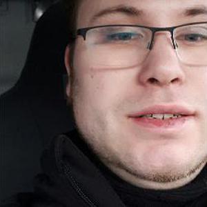Jeremy, 25 ans aide aux personnes âgées