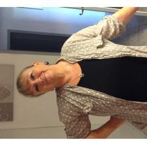 Joelle, 57 ans