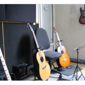 Cours de guitare à Dreux - tout style tout age tout niveaux