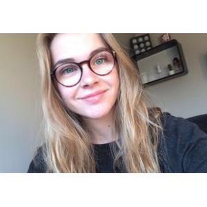 Clara, 18 ans, propose ménage