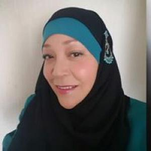 Rachida, 56 ans Assistante Maternelle agrer par le conseil général avec 2place libre pour garder des enfant je suis tres douce j'ai une expérience de 10ans avec le cap petite enfance
