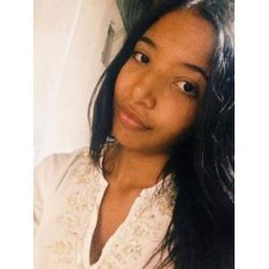 Lalia, 18 ans, propose aide à la personne