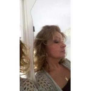 Valérie, 50 ans, ménage