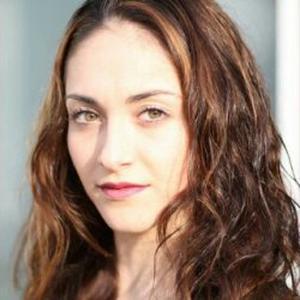 Manon , 21 ans, danseuse classique et contemporaine professionnelle