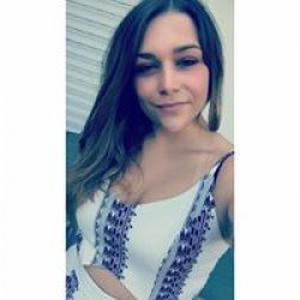 Julia, 22 ans dispo pour faire du baby-sitting