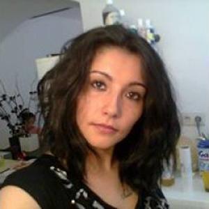 Naomie, 30 ans cherche quelques heures de ménage