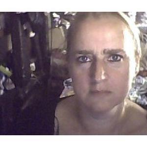 Roseline, 44 ans, auxiliaire de vie