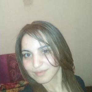 Faten, 32 Ans Aide Aux Personnes âgées