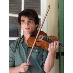 Jeune étudiant diplômé d'une licence de musicologie et du DNSPM au Centre des Musiques Didier Lockwood donne cours (75) et alentours de violon en classique et en jazz et/ou solfège, pour tous niveaux