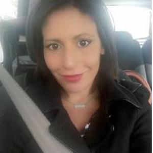 Sabrina, 32 ans propose de l'aide et soin à domicile