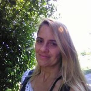 Cathy, 48 ans, aide aux personnes fragilisées