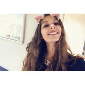 Emma, 18 ans, Aide aux personnes âgées