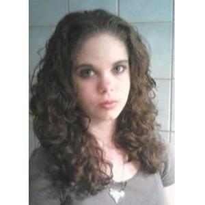 Emilie, 19 ans cherche quelques heures de ménage