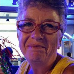 CHRISTINE, 57 ans je recherche un poste d'assistante de vie la journée ou 24/24 OU nuit