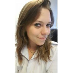 Cindy, 26 ans, recherche un travail auprès des personnes âgées