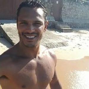 Luciano, masseur professionnel de relaxation