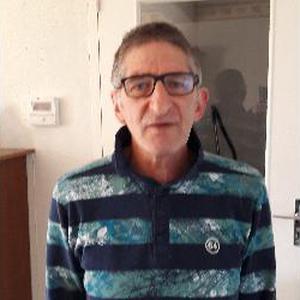 Paul, 58 ans recherche des heures de ménage