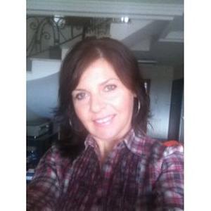 ELENA DANIELA, 43 ans aide aux personnes âgées