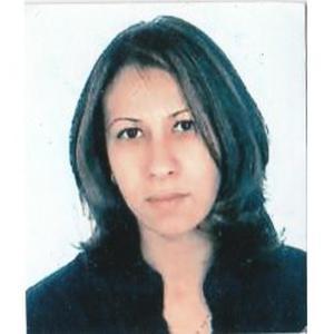 Nejla, 41 ans donne des cours de français