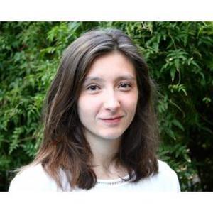 Loane, 22 ans donne de cours de français