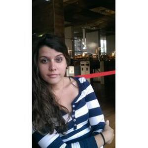 Dayami, 33 ans, donne des cours d'espagnol à Paris