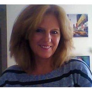 Beatrice, 53 ans cherche un emploi de ménagère